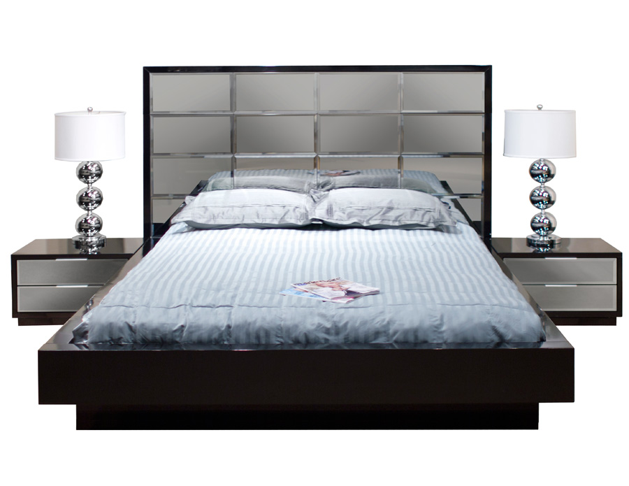 Mera Black Lacquer Mirror Queen Bed